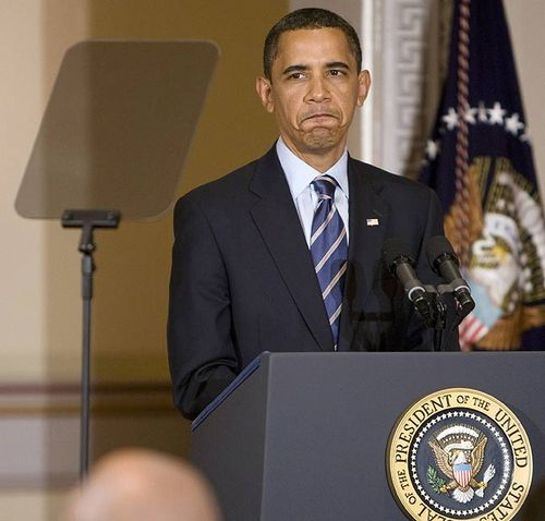Barack Obama — Teleprompter Crashes to the Floor!